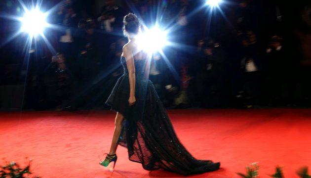 Дрес-код червоної доріжки: яку сукню обрати