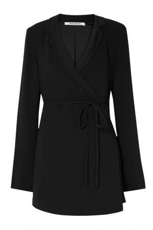 Чёрное платье-жакет с широкими манжетами